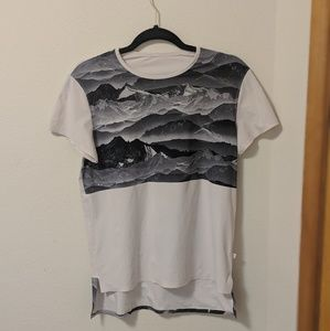 Lululemon Snapshot Tee in Pale Pink With Gray